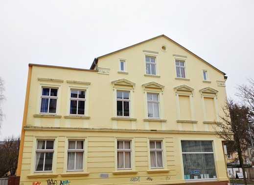 Schönes Wohn- und Geschäftshaus mit 3 Wohnungen, 1 Gewerbeeinheit, Stellplätze, Kellerräume