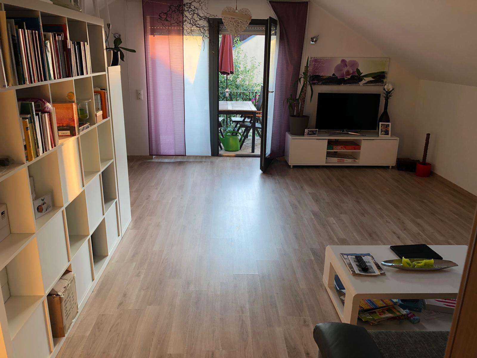 Gepflegte 2-Zimmer-Dachgeschosswohnung mit Balkon und Einbauküche in Buttenwiesen OT Lauterbach in Buttenwiesen