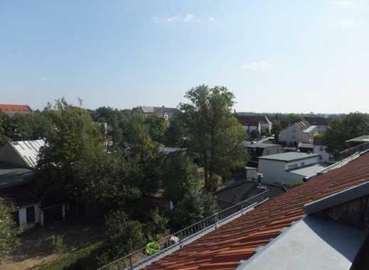 Über den Dächern - gut sanierte 4-Zimmer-DG Wohnung mit Blick in den Stünzer Park