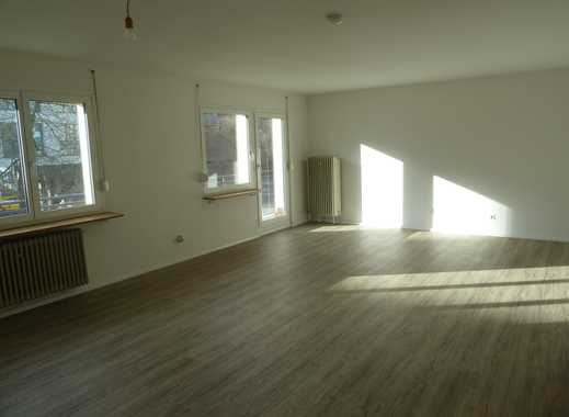 Attraktive, helle 2-Zimmer-Wohnung mit Balkon und Einbauküche in Weil am Rhein