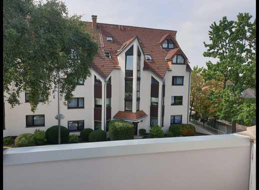 Neuwertige 2,5-Zimmer-DG-Wohnung mit Balkon und Einbauküche in Bochum