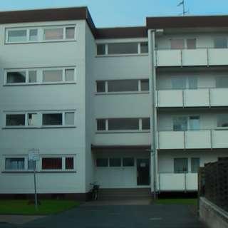 Gepflegte Etagenwohnung mit Balkon in netter Wohngemeinschaft