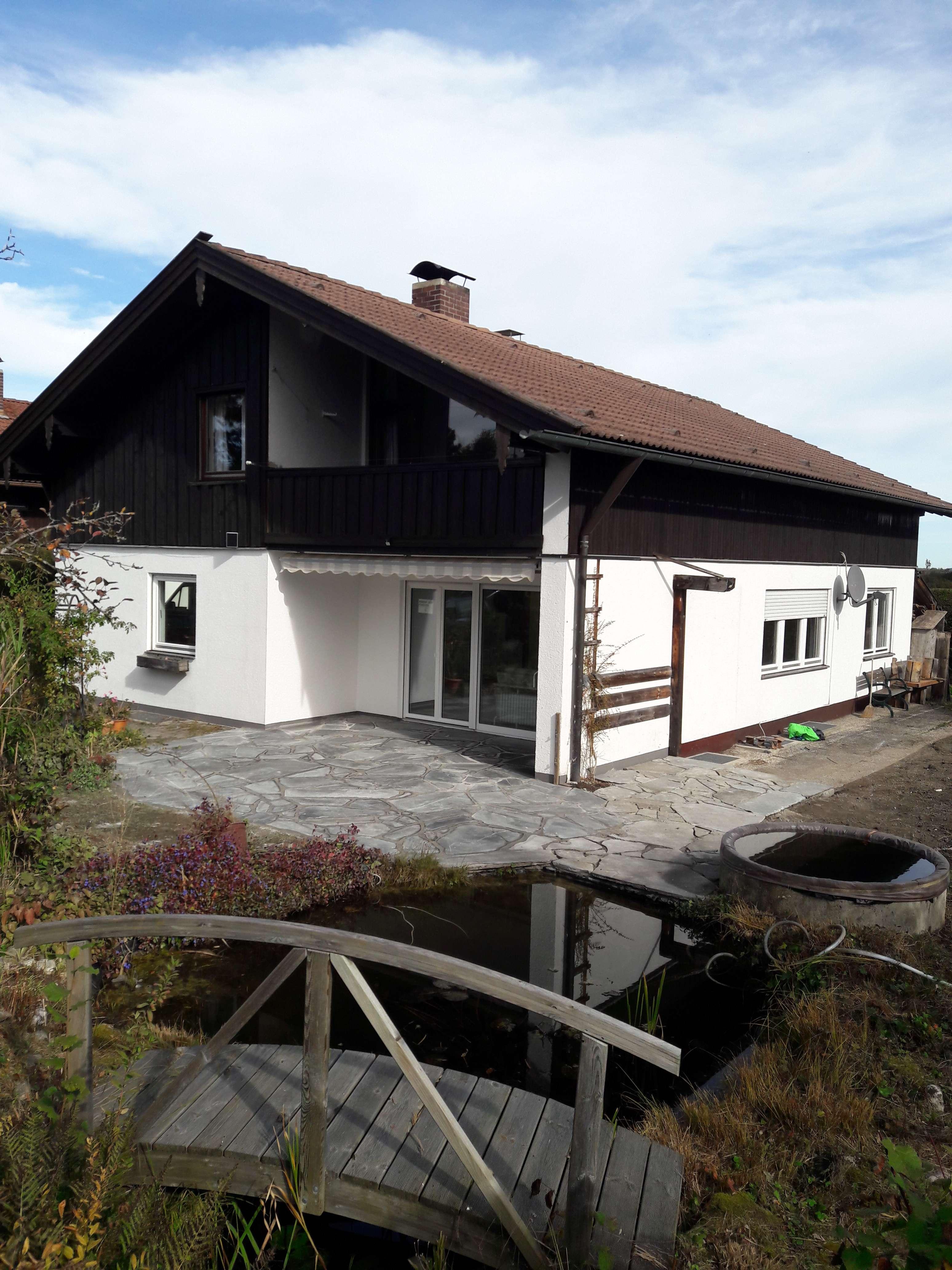 Exklusive, vollständig renovierte 4-Zimmer-Erdgeschoßwohnung mit großer Terrasse und Garten in Holzkirchen (Miesbach)