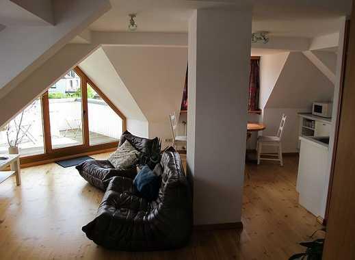 INTERLODGE Stadtwald: Schickes Dachgeschoßapartment im 2. OG großem Balkon
