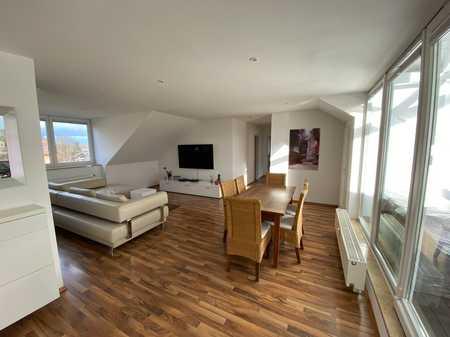 Stilvolle, helle, moderne 3--Zimmer DG-Wohnung mit Loggia im grünen Fasangarten, München-Obergiesing in Obergiesing (München)