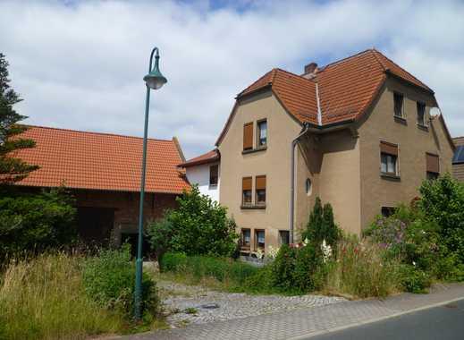 Mehrfamilienhaus mit Scheune, Garage und großem Grundstück zu verkaufen