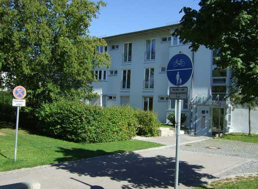 Von Privat 3-Zimmer-Dach-Atelier-Wohnung mit Südbalkon in Ottobrunn zu vermieten