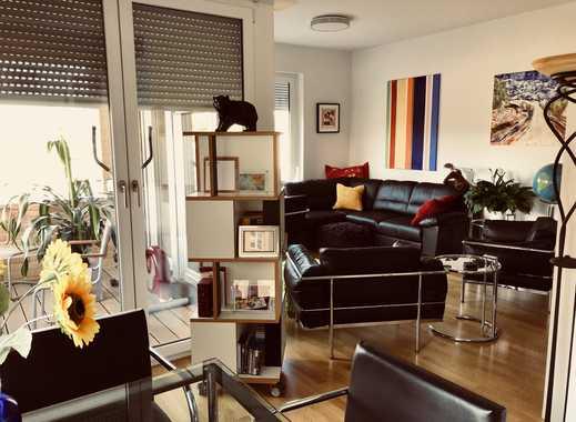 Speicherstadt, Potsdam: gepflegte 2-Zimmer-Erdgeschosswohnung mit Balkon und Einbauküche