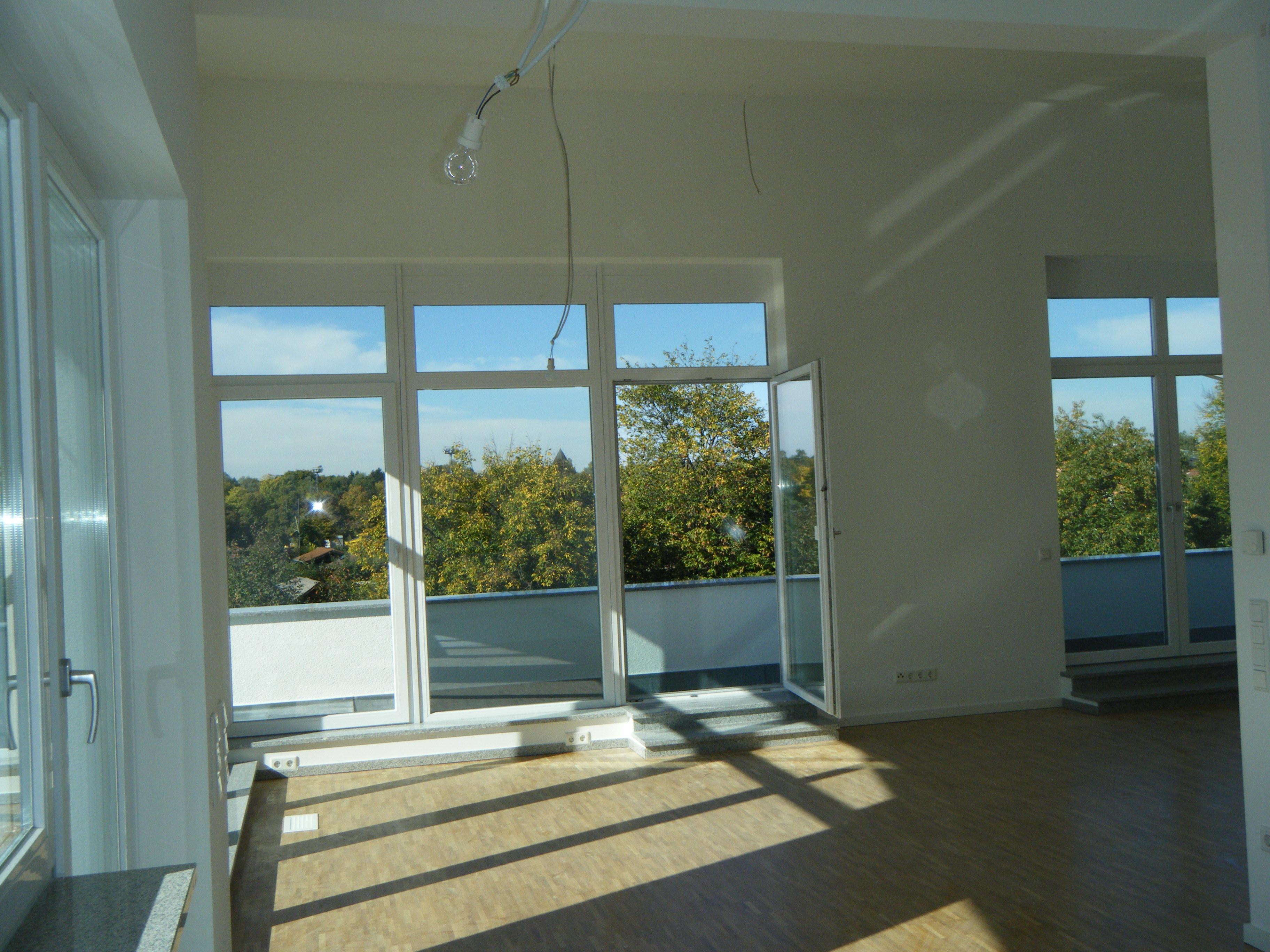 Exklusive 4 Zimmer Penthouse-Wohnung mit großer SW-Dachterrasse u. Alpenblick   5km südl.v.Zentrum in Ramersdorf (München)