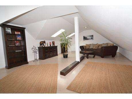 Für ein Jahr: Maisonette-Wohnung in Coburg-Stadt im 3. OG in hochwertiger Ausstattung in Coburg-Zentrum (Coburg)