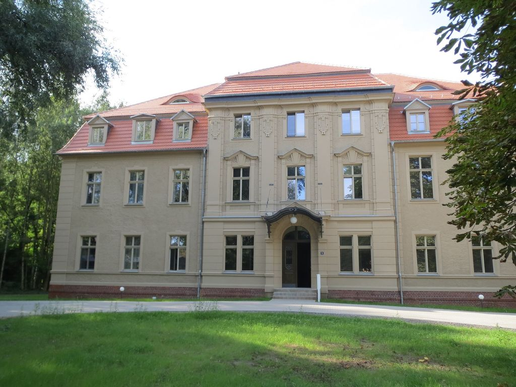 Herrenhaus Vorderansicht