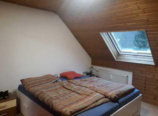 vollmöbliertes 16 qm Zimmer in 90 qm Wohnung