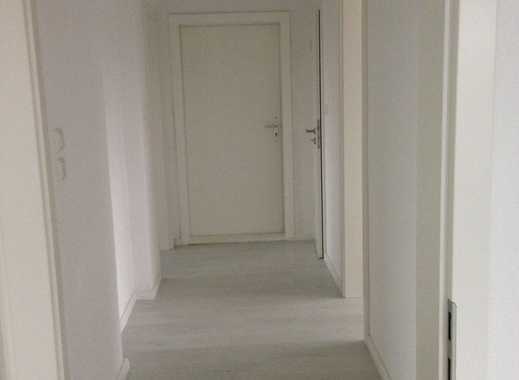 Vollständig renovierte 3-Zimmer-Erdgeschosswohnung mit Balkon und EBK in Achim