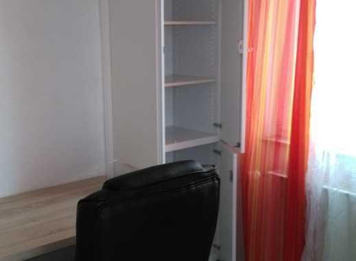 Vollmöbliertes Studentenzimmer inkl. Reinigungsservice in Zentrumsnähe