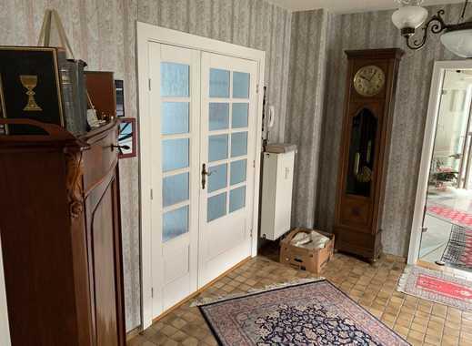 Ansprechende 5-Zimmer-Wohnung mit Wintergarten, Balkon und Einbauküche in Hohenwestedt