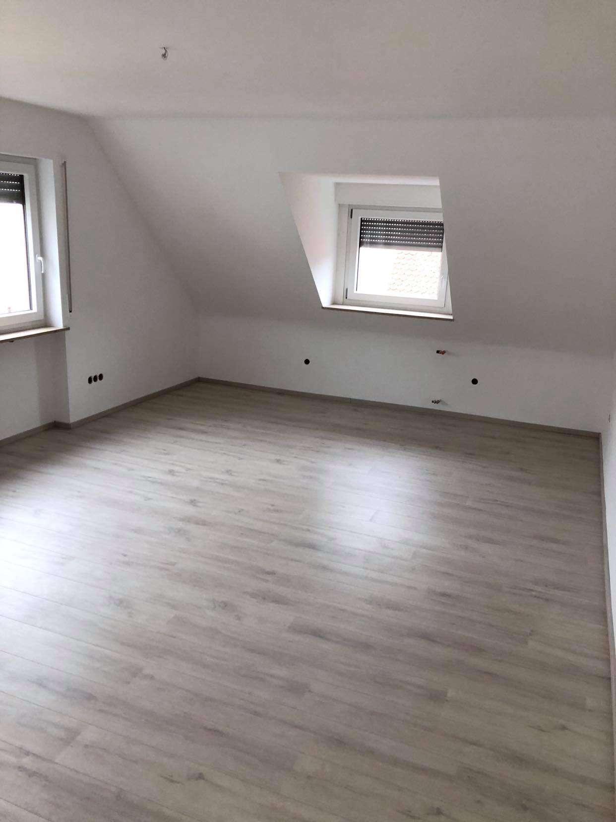 Erstbezug: freundliche 3-Zimmer-DG-Wohnung mit gehobener Innenausstattung zur Miete in Greding in