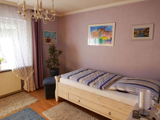 Einladendes Wohnhaus mit großer Schwimmhalle - Bild 26