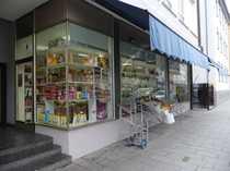 ES-Zentrum Ladengeschäft mit großer Fensterschaufläche