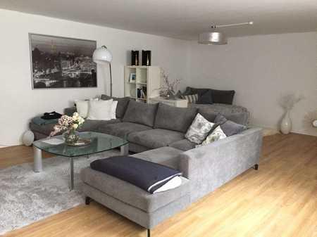 Stilvolle, sehr geräumige 1-Zimmer-Wohnung mit EBK in Bogenhausen, München in Bogenhausen (München)