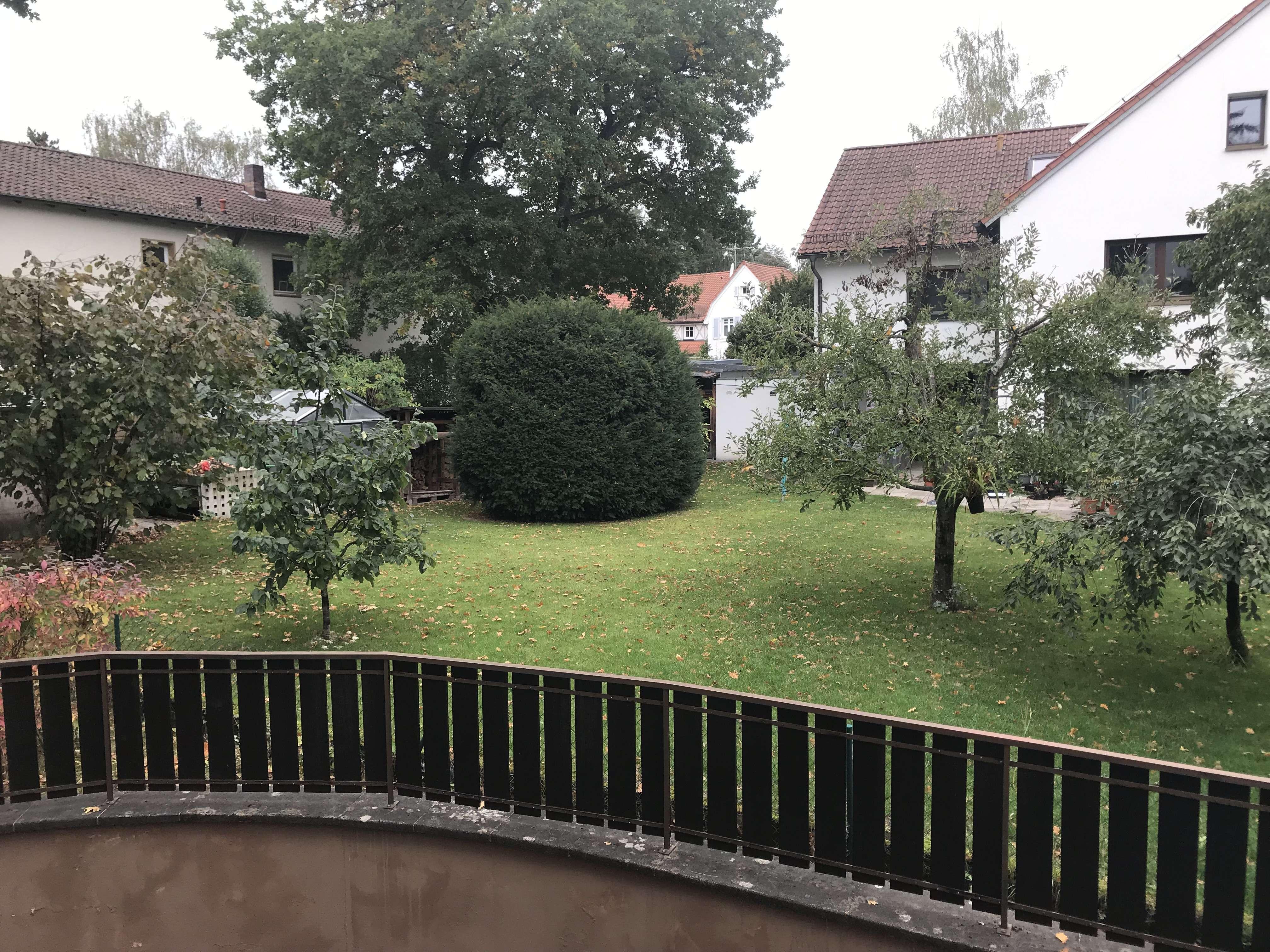Helle 1,5-Zimmer-Wohnung mit Balkon in kleiner Wohnanlage beim Waldkrankenhaus in Erlangen Nord- Burgberg (Erlangen)