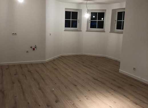 Erstbezug nach Sanierung mit Balkon: schöne 3-Zimmer-Erdgeschosswohnung in Nittendorf