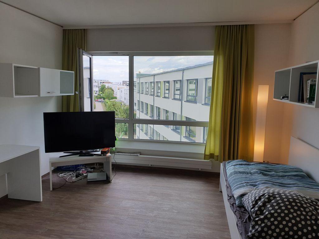 exklusive m blierte 1 zimmer wohnung in frankfurt am main. Black Bedroom Furniture Sets. Home Design Ideas