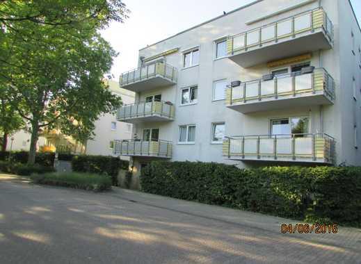 Moderne und gepflegte 3-Zimmer-Wohnung mit Balkon und Einbauküche in Toplage direkt am Hürth Park