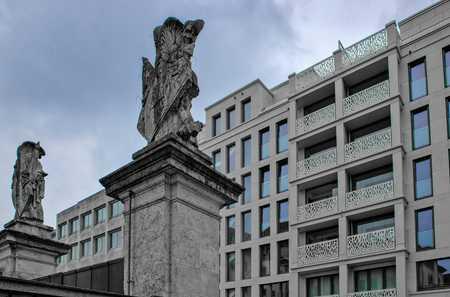 Top 4-Zimmer-Stadt-Wohnung mit Küche. Mit Loggia im Innenhof. Bestlage Lehel. in Lehel (München)