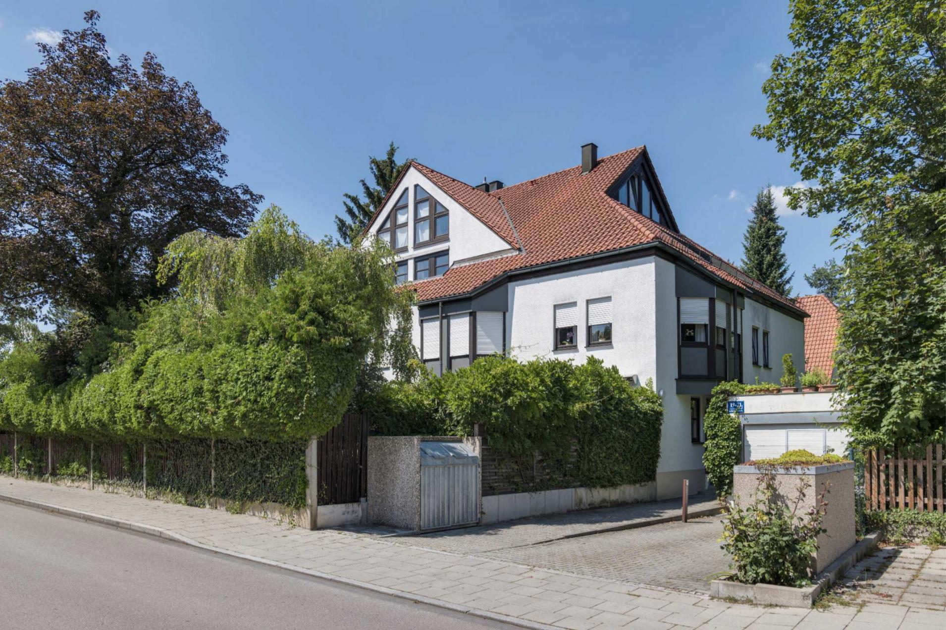 Sanierte 3-Zimmer-Gartenwohnung in Solln mit Garage in Solln (München)