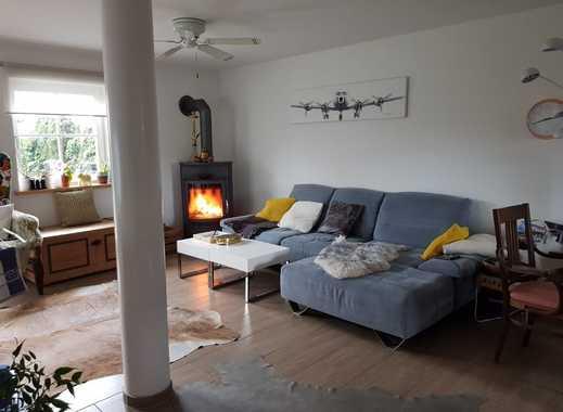 Schöne 2,5-Zimmer-EG-Wohnung mit Terrasse und Einbauküche (Teilm.) in Raubling (OT Großholzhausen)