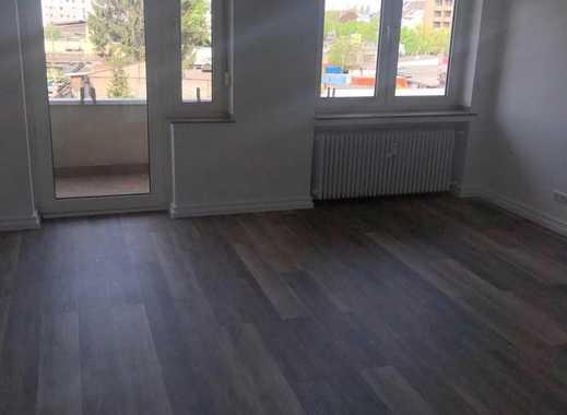 Großzügige, total renovierte Zweizimmerwohnung im Herzen von Zollstock