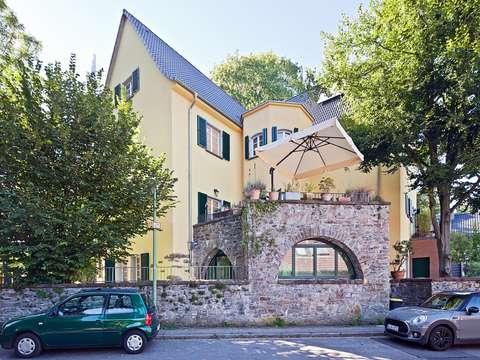 Stadtgarten art deco villa im grünen
