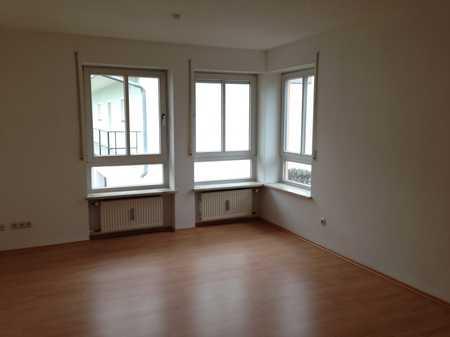 2-Zimmer-Wohnung mit Balkon, Einbauküche und Stellplatz in Haidenhof Nord (Passau)