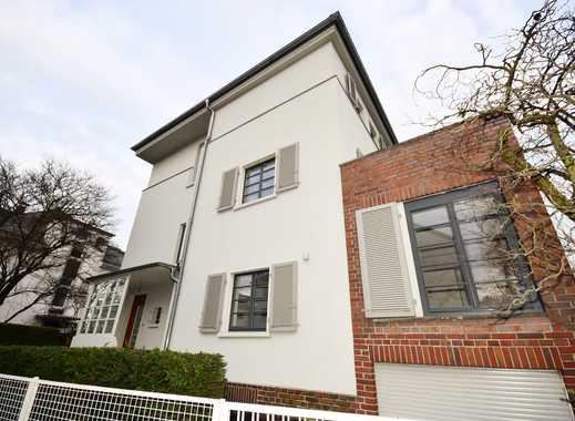 DICHTERVIERTEL: Perfektes, stylishes 8-Zi.-Haus in ruhig./zentr. Lage m. 3x Bad, Kamin, EBK, Garten