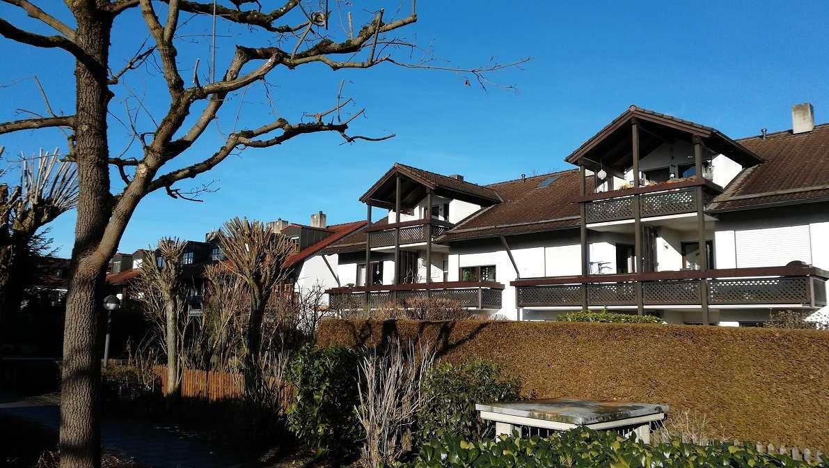 Ruhig gelegene 3-Zimmer-Dachgeschosswohnung mit großem Süd-/West-Balkon in Pasing (München)