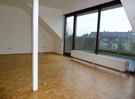 Individuelle 3 Zimmer Maisonettewohnung mit Einbauküche, Balkon und eigenem Gartenanteil
