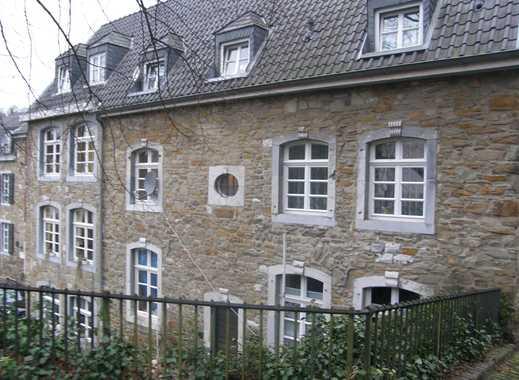 3-Zimmer-Dachgeschosswohnung mit WBS in historischem Baudenkmal in Stolberg (Rheinland)