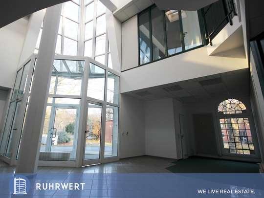 Foyer von Industrieller Charme trifft Moderne: Business-Loft auf Wunsch mit Halle !!
