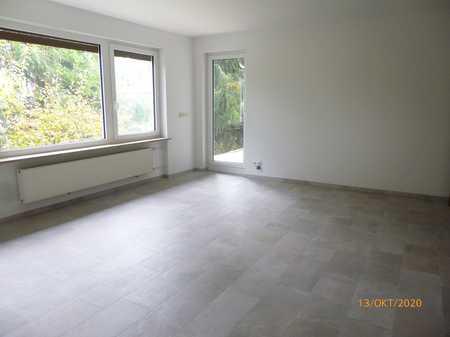 Großzügige, ruhige 3-Zimmer-Wohnung im 1. OG mit Loggia in Bestlage von Putzbrunn-Solalinden in Putzbrunn