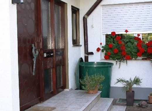 Hübsche Wohnung mit Kamin, Terrasse und Wintergarten
