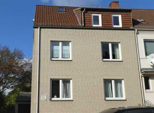 schöne 2 1/2-Zimmer-Wohnung im top sanierten 3-Familienhaus in Sebaldsbrück