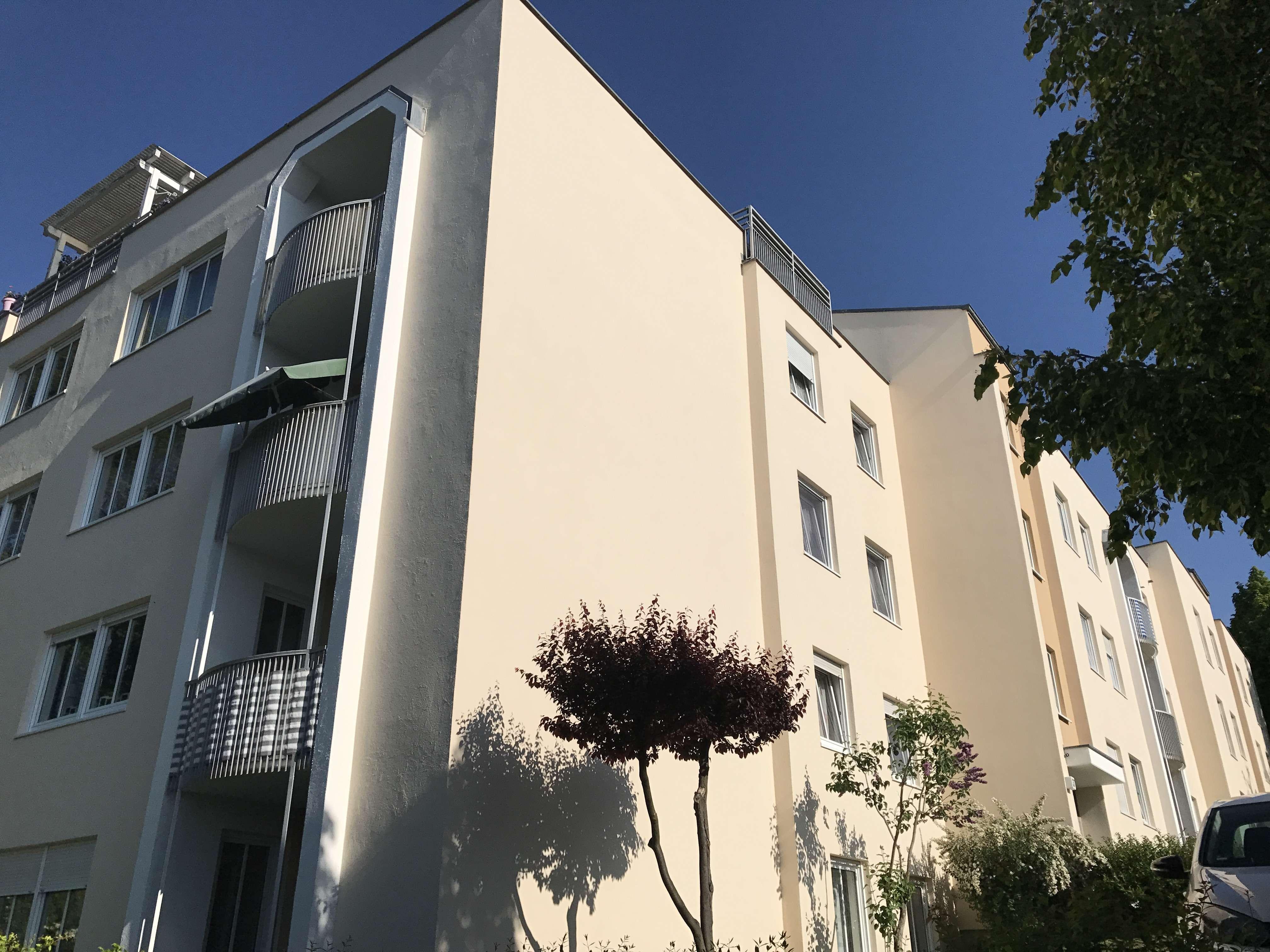 76 m² Wohlfühl-Oase mit Einbauküche /3 Zimmer Wohnung mit Balkon in bester Lage von Hof in Hof-Innenstadt