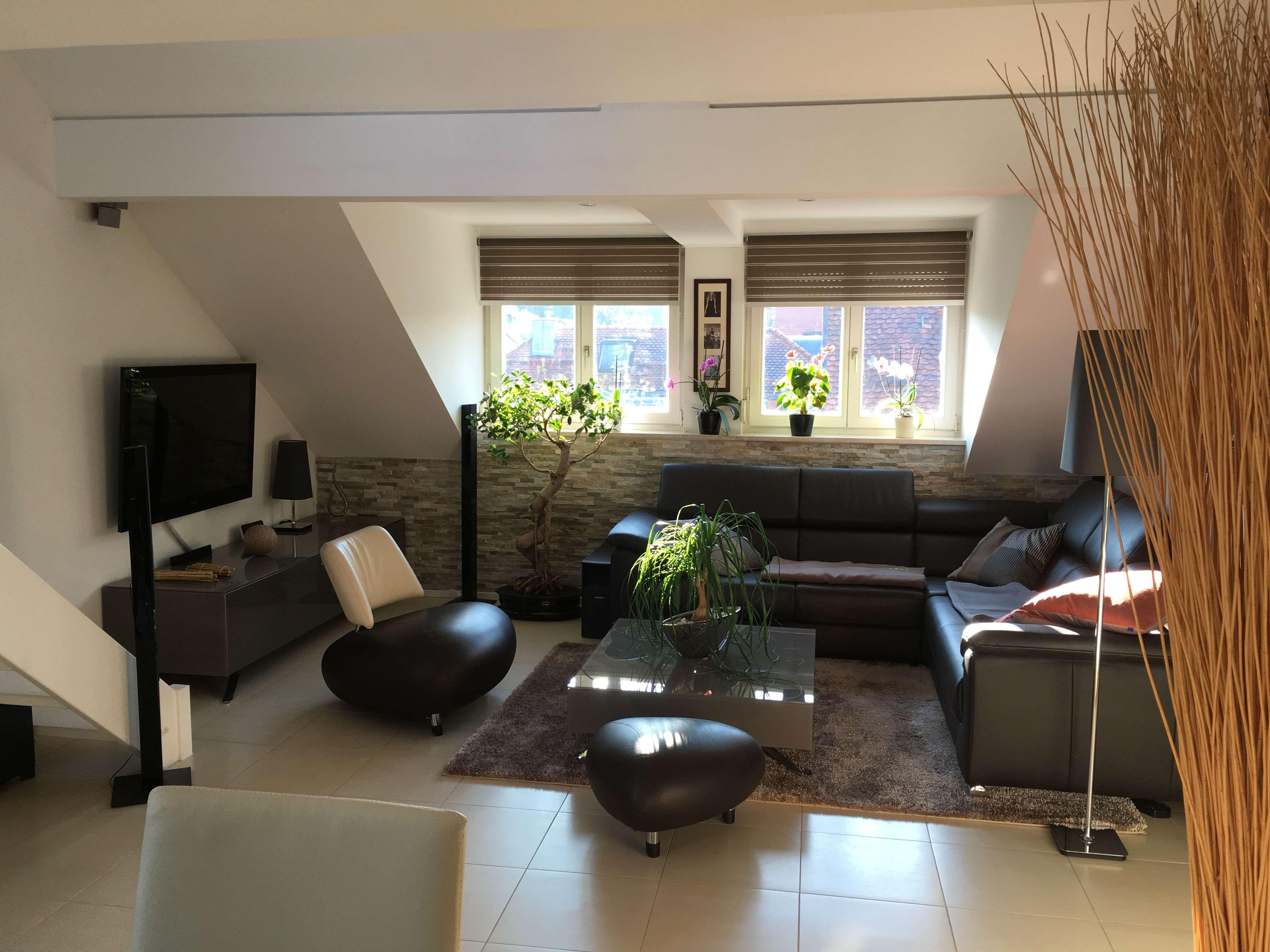 Stilvolle, möblierte 2,5-Zimmer-Maisonette-Wohnung in Haar