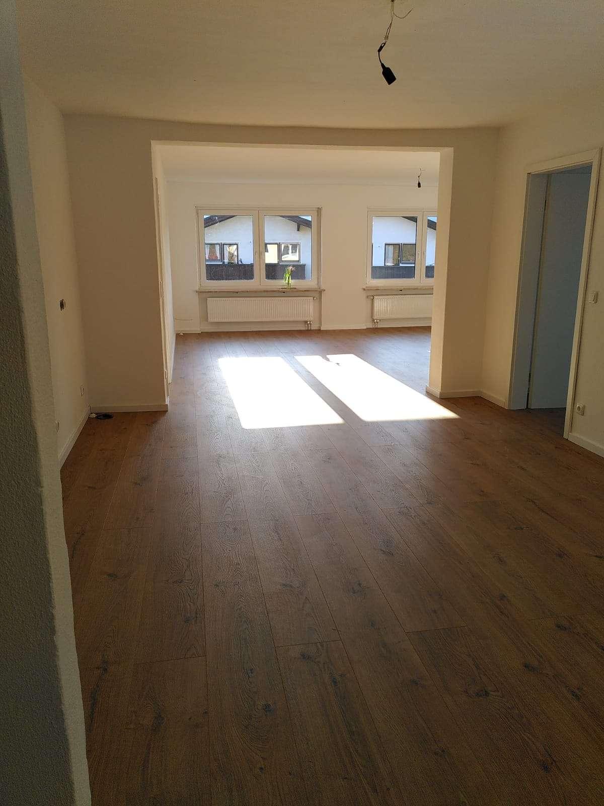 Erstbezug nach Sanierung: attraktive 5 (oder auf Wunsch 4) Zimmer-Wohnung mit Garten in Bad Tölz in