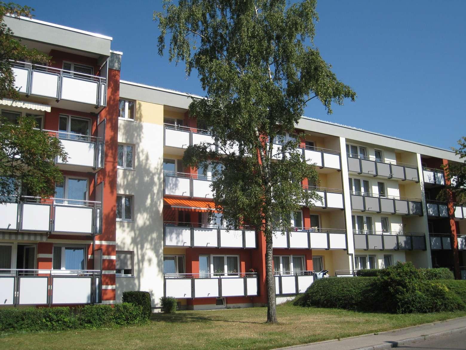 Modernisierte 4-Zimmerwohnung in Augsburg-Hammerschmiede zu vermieten in Hammerschmiede (Augsburg)