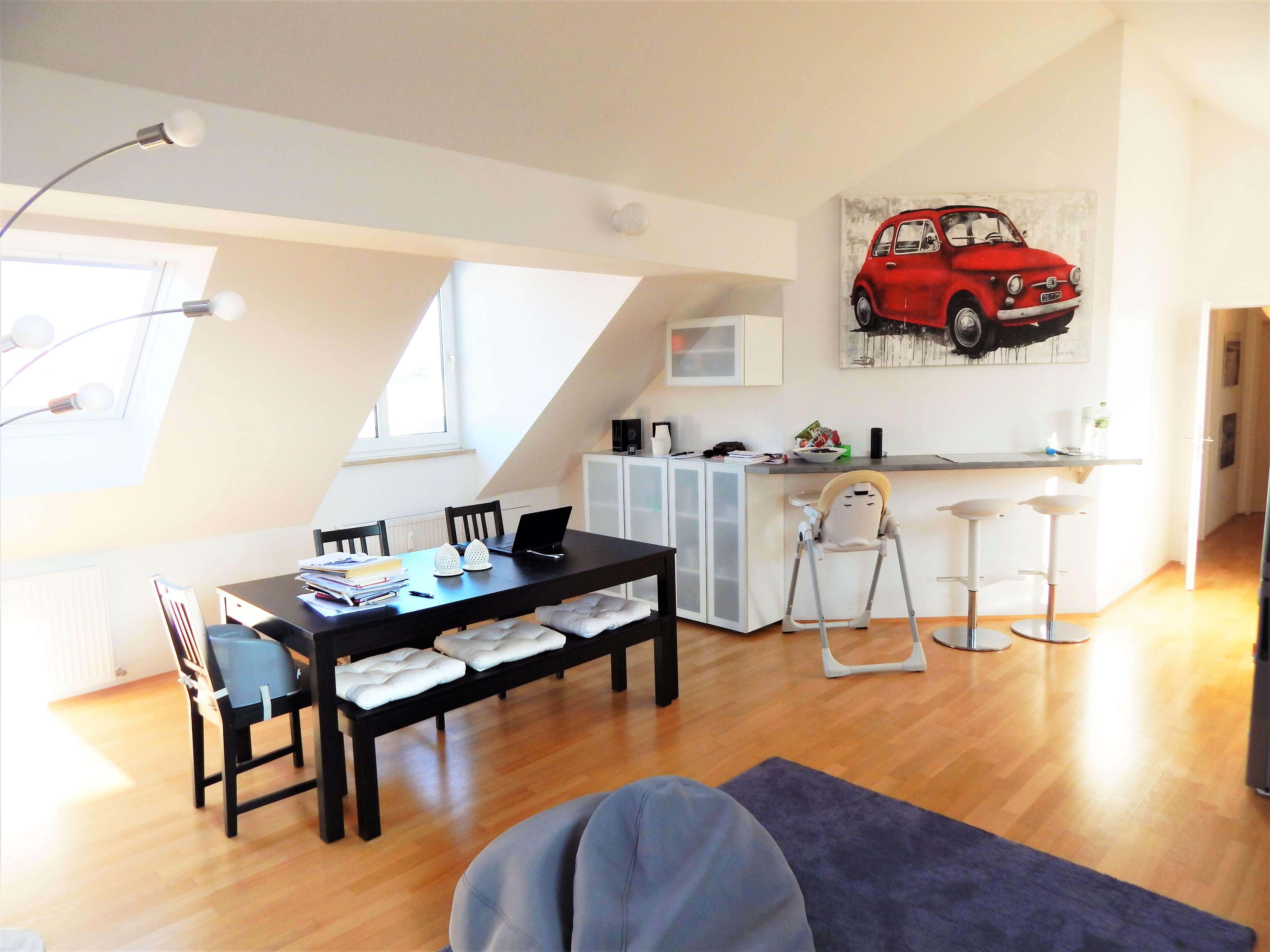Helle, großzügige 3,5-Zimmer Dachgeschoss-Wohnung in Bogenhausen in Bogenhausen (München)
