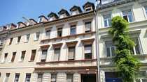 Mehrfamilienhaus mit Hinterhaus in attraktiver