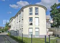 Modernes Domizil mit Terrasse in