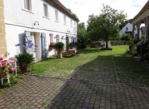Schöne zwei Zimmer Wohnung auf historischem Hof im Steigerwald