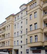 1 Etage 5 ½ Zimmer-Altbauwohnung